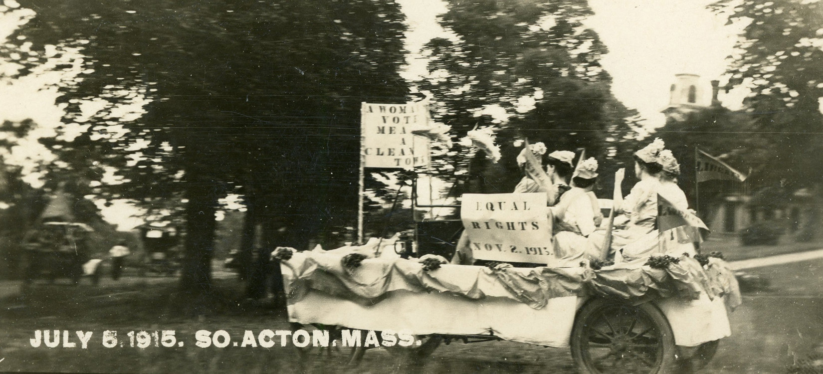 Suffrage Float in South Acton Parade 1915